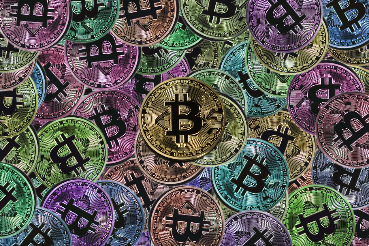 bitcoin-2651926_1280.jpg