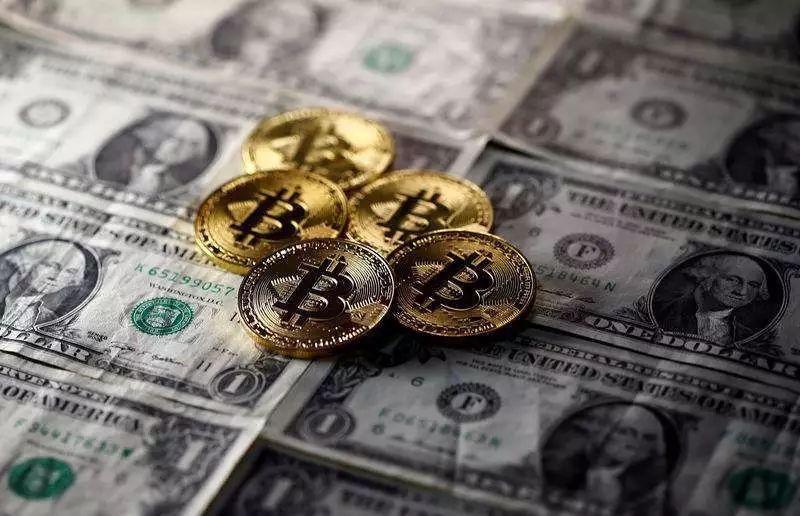 美元全球储备货币地位遭削弱,比特币能否对其构成严峻挑战?